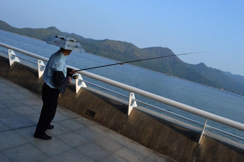 中英街钓鱼翁